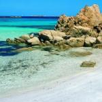 Vacanze per famiglie in Sardegna: hotel con spiaggia vicino all'aereoporto