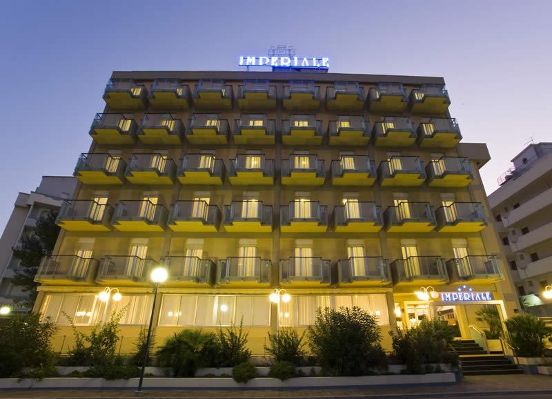 Last minute a cattolica per tutta la famiglia hotel 3 for Hotel a barcellona 3 stelle