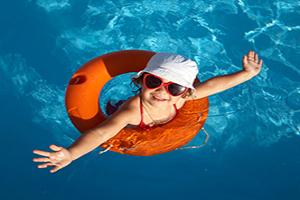 La piscina dell'hotel Bruna di Cesenatico